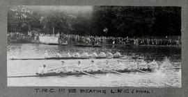 Marlow 1927 - Thames first eight beating London in final