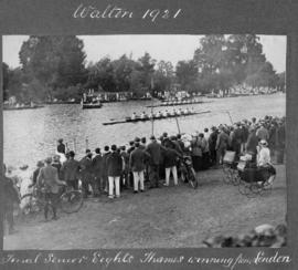 Walton 1921 - senior eights final, Thames winning from London